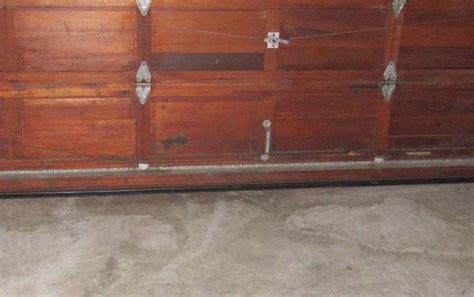 Garage Door On Floor by Garage Door Floor Seals Gate Door