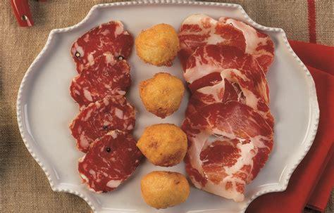 cucina italiana antipasti ricetta antipasto di frittelle e salumi le ricette de la
