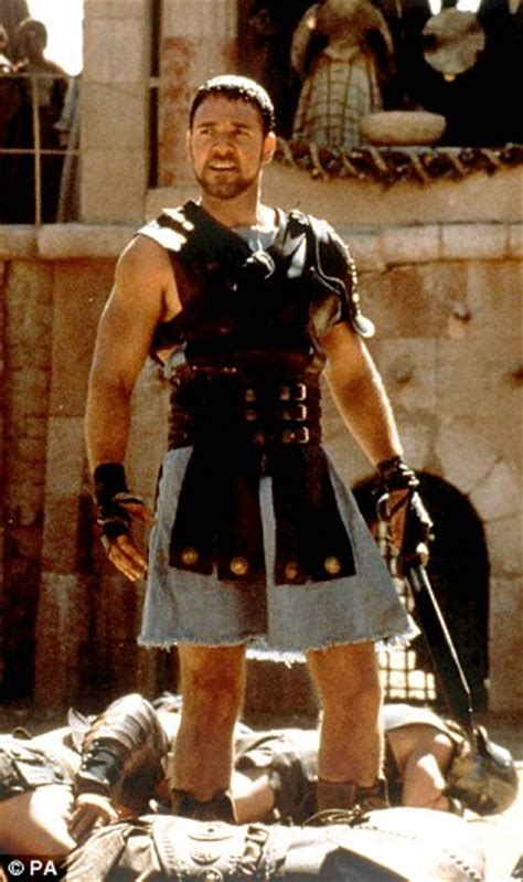 hollywood film gladiator archaeologists discover remains of a roman gladiator