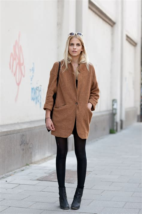 Ways To Wear An Oversized by 8 Stylish Ways To Wear Oversized Clothes Camel Coat