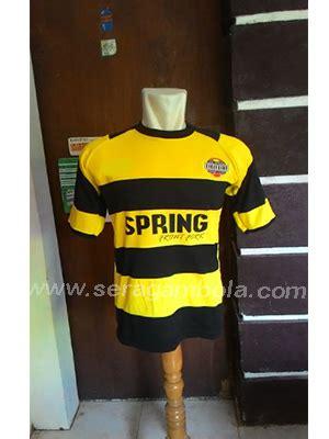 Emblem Logo Tersformen Warna Kuning 3 rekomendasi desain baju bola yang mungkin cocok untuk