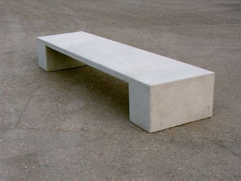 contemporary bench in concret concrete