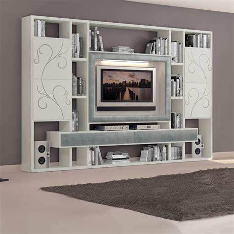 tv con cornice soggiorno con cornice tv e cassetti in foglia argento
