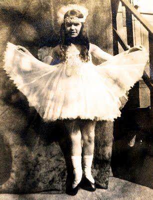 twenties girl written by b00slug000 old photos darling fairy princess the graphics fairy
