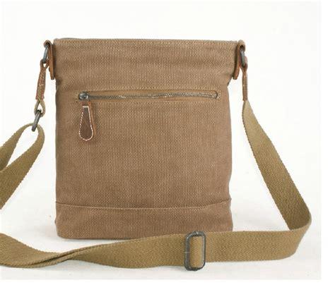 s day bag lightweight messenger bag bagsearth
