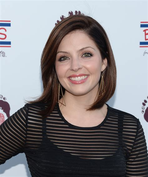 jen lilley hairstyle jen lilley photos photos celebs love sketchers in
