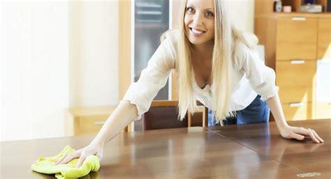 pulizia mobili pulizia dei mobili in legno questioni di arredamento