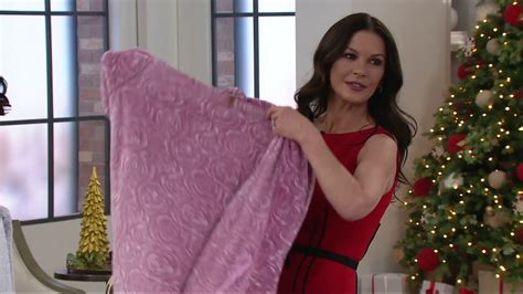 casa zeta jones robe casa zeta jones velvet soft signature rose robe on qvc