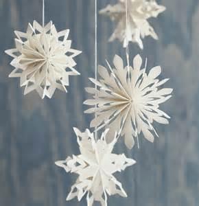 basteln mit papier weihnachtsdeko aus papier kreieren