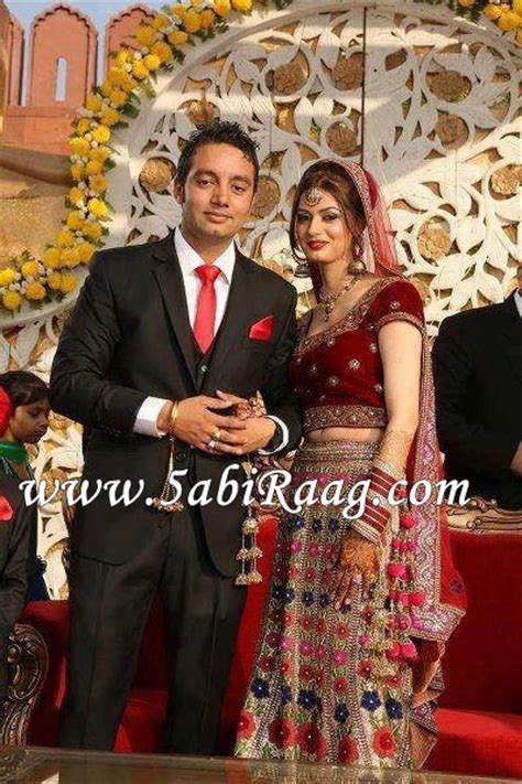 marriage pics of jassi gill with wife download the photos of jassi gill with his wife