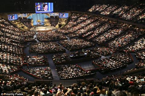 lakewood church service today
