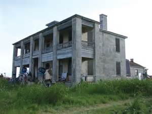 Chainsaw House by Chainsaw House Tour Search Engine
