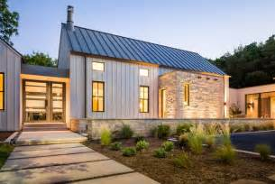 Contemporary Farmhouse Plans by Modern Farmhouse In Dallas Texas Farmhouse Exterior