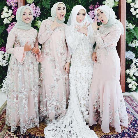Busana Muslim Putih Elegan 17 model baju pengantin muslim 2018 desain elegan cantik
