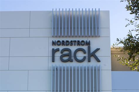 Nordstrom Rack Baton by Tips For Shopping The New Nordstrom Rack 225