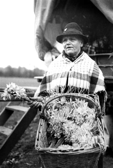 THE MUSEUM OF ENGLISH RURAL LIFE- Image Library- Gypsies