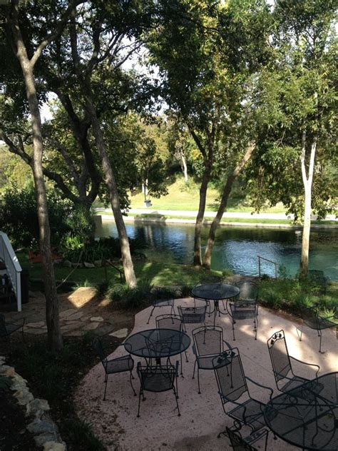 Comal River Cottages by Comal River Cottages Vacation Rentals 405 E Zink St