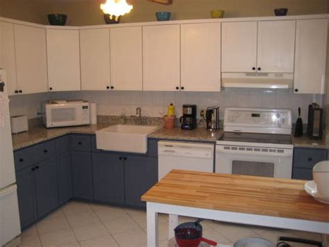 redoing kitchen cabinet doors 17 best images about kitchen 80s shaker style the old