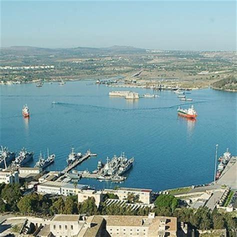 porto augusta augusta un coro di no contro l autorita portuale a