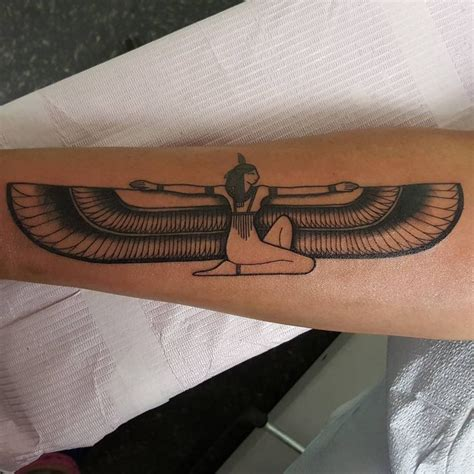 isis tattoos best 25 goddess ideas on