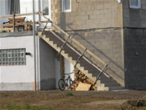 treppengeländer für aussentreppe aussentreppe aus beton bauunternehmen