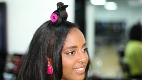 how to use hot rollers in layered shoulder length hair video how to use hot rollers for layered hair ehow