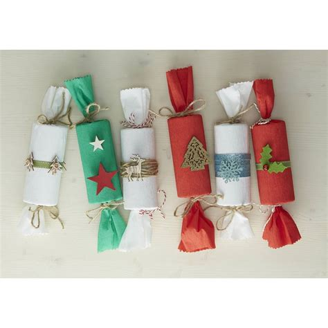 hobbycraft assorted christmas cracker gifts fillers 6 pack