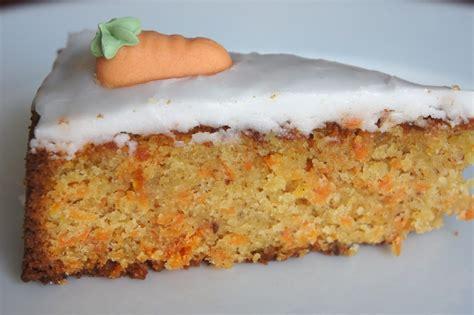 zuckerguss auf warmen oder kalten kuchen rezept glutenfreier karottenkuchen ein glutenfreier