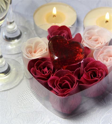 Valentines Day Table Decor by 19 Valentine S Day Decorating Ideas A Romantic