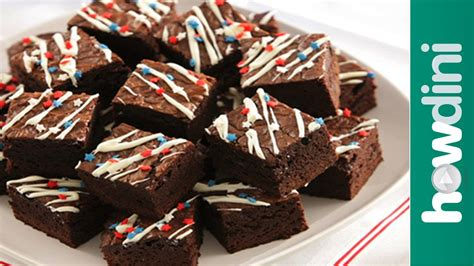how to make brownie pizza and decorate brownies