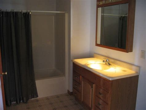 Lighted Onyx Countertops by Backlit Onyx Wall