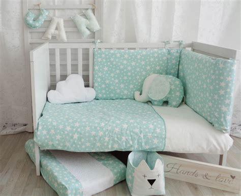 decoracion habitacion bebe verde mint nuevos textiles para beb 233 s hands love decopeques