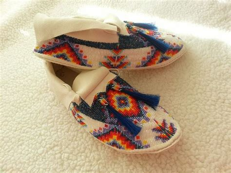how to bead moccasins best 25 beaded moccasins ideas on moccasins