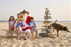 aussie santa claus photographer jade dawson captures the world s worst santa