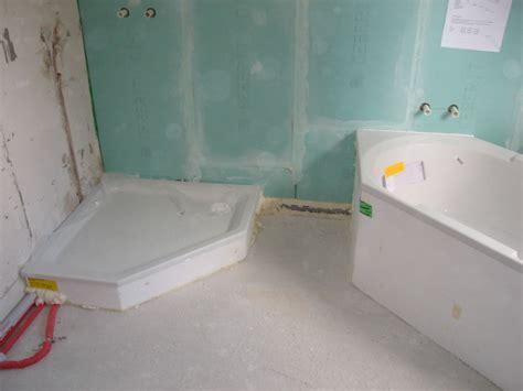wasseranschluss badewanne wasseranschluss dusche raum und m 246 beldesign inspiration