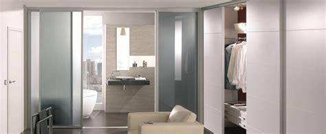 kleiderschrank schiebetüren schwarz inspiration ikea wohnzimmer schwarz grau
