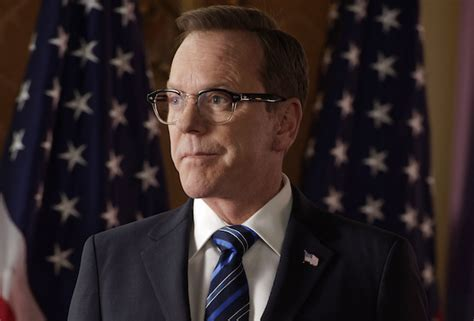 designated survivor guest stars two ships designated survivor tendr 225 un nuevo showrunner en su