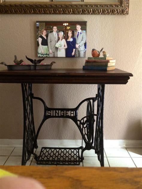 Sewing Machine Desk Ideas by 17 Best Ideas About Singer Sewing Tables On