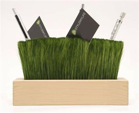 escritorio al reves pratonzolo un trocito de naturaleza en tu escritorio
