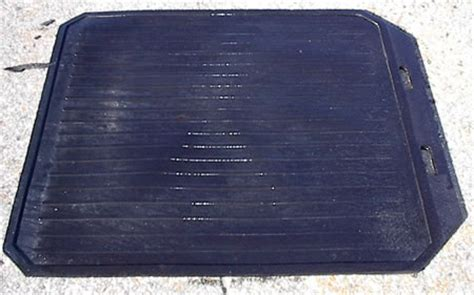 Rubber Mat With Lip by Rubber Smith Sow Mats