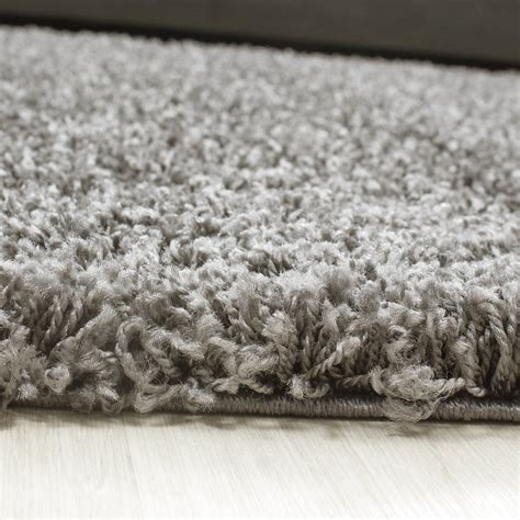 Tapis Shaggy But by Tapis Shaggy Taupe Moderne Tapis Design Uni En