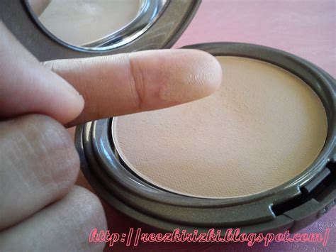 Revlon New Complexion 2 Way Foundation reezki s review revlon new complexion 2 way