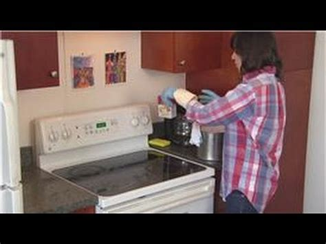 what can i use to clean grease off kitchen cabinets household cleaning tips how to clean hard grease off the