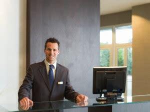 Franzosische Bewerbung Hotel Arbeiten Als Concierge Aufgaben Und Voraussetzungen F 252 R Den