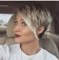 kurzhaarfrisuren damen platinblond die besten 25 undercut frisuren damen ideen auf unterschnitt frisuren unterschnitt