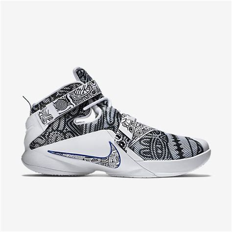 new nikes basketball shoes 25 best ideas about basketball shoes on nike