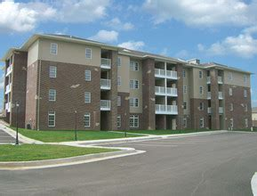 Camelot 2 Apartments Jefferson City Mo The Courtyards At Cherry Creek Jefferson City Mo