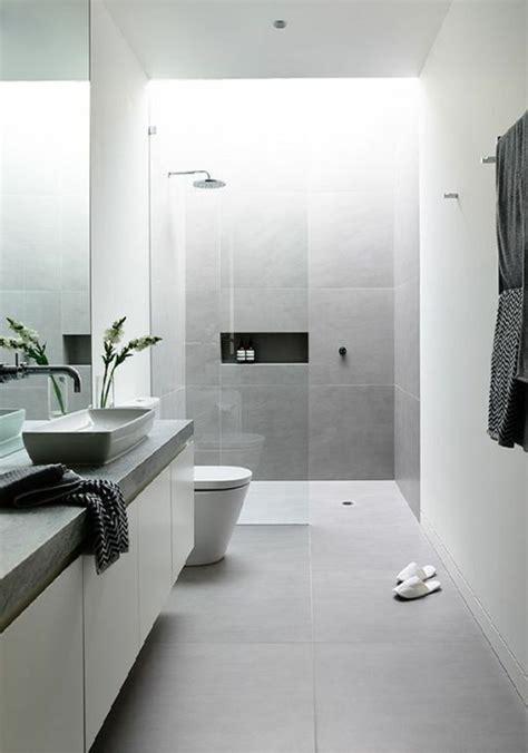 badezimmer fliesen hellgrau modernes badezimmer wei 223 hellgrau fliesen pflanze dusche