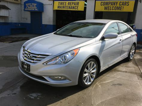 2011 Hyundai Sonata Limited For Sale by Used 2011 Hyundai Sonata Limited 4 Dr Sedan 12 990 00