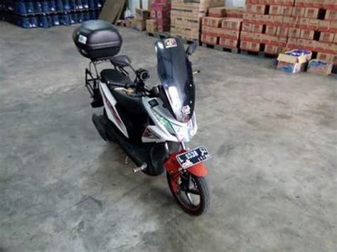 Variasi Visor Wiendshield Motor Matic Honda Vario 125 F Limited modifikasi honda beat pakai visor nmax variasi hmmm radak aneh ndeso94 dot